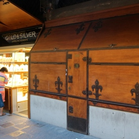 Adorable shops along the Ponte Vecchio