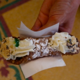The BEST cannoli in Florence